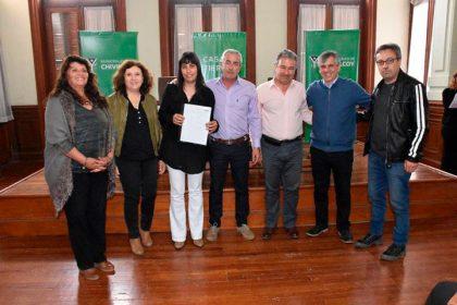 Vecinos y Asociaciones civiles recibieron escrituras de protección y documentación