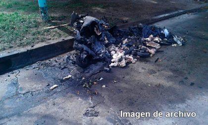 Esta madrugada fueron aprehendidos cuatro jóvenes por incendiar contenedores