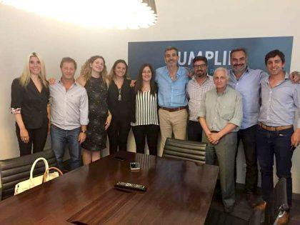 Florencio Randazzo compartió un encuentro de trabajo con concejales y consejera escolar de CUMPLIR