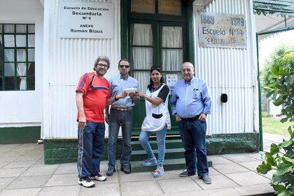 La Escuela Nº 14 de Ramón Biaus recibió la recaudación de una carrera