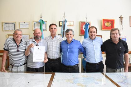 Los integrantes del nuevo Club Unión Chivilcoyana de Box visitaron al intendente Guillermo Britos