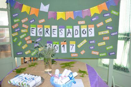 Entrega de Diplomas a egresados del Centro de Educación Complementaria Florencio Varela