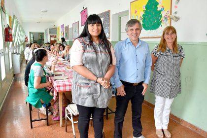 El intendente almorzó con empleados municipales en el CEC Florencio Varela