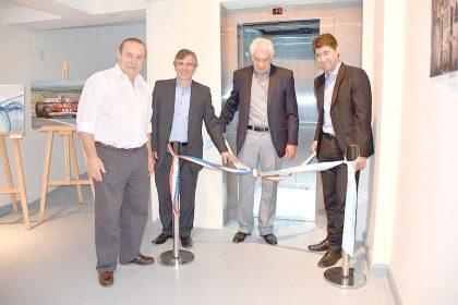 La Sociedad Francesa instaló un nuevo ascensor donado por OSDE e instalado con ayuda de la Municipalidad