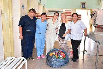 El Club de La Rica entregó donaciones
