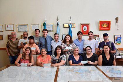 """Proyecto """"De la Huerta a la Mesa"""": Once productores locales recibieron un subsidio"""