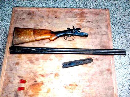 Un detenido por tenencia ilegal del arma de guerra
