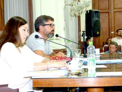 Sesión extraordinaria: El Concejo aprobó el Pacto Fiscal y suspendió a la secretaria [Video]