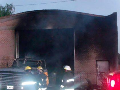 Un hombre resultó con graves quemaduras al explotar un tanque en el que estaba trabajando