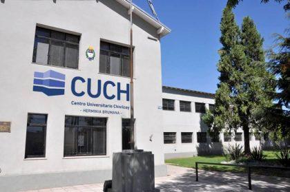Últimos días para inscribirse a las carreras de la UNLZ en el CUCH