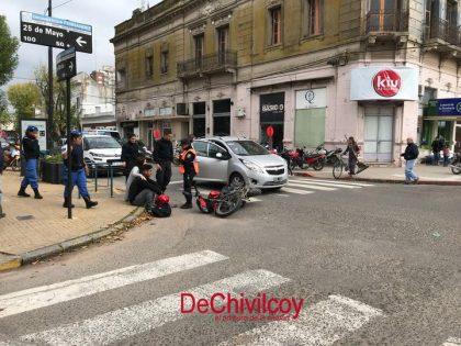 Accidente de tránsito en la esquina de San Martín y 25 de Mayo