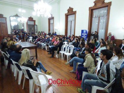 Se efectuó la reunión de alumnos y directivos de la Escuela de Servicio Social con concejales y funcionarios municipales