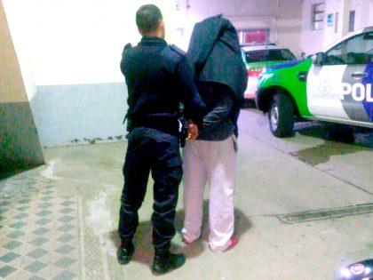 Detienen a un chivilcoyano en un Operativo de Interceptación circulando en un auto que fuera robado a mano armada