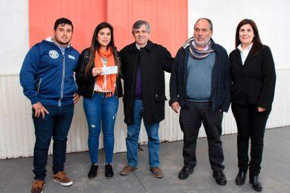 Entrega de subsidio al Club Renovación de Moquehuá