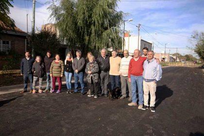 """<span style='color:#f000000;font-size:14px;'>[VIDEO] INAUGURACIÓN DE ASFALTO</span><br>En la calle General Paz entre calle 83 y Avenida La Razón en el Barrio """"Las Tejas"""""""