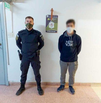 """<span style='color:#f000000;font-size:14px;'>POLICIALES</span><br>Fueron aprehendidos dos jóvenes por """"Daño calificado y Resistencia a la autoridad"""""""